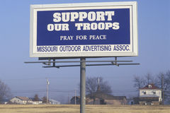 A sign that reads �Support our troops� Royalty Free Stock Images