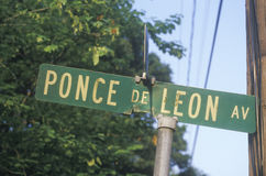 A sign that reads �Ponce de Leon Av� Royalty Free Stock Images