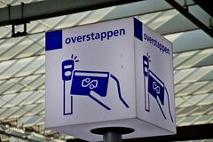 Sign for where the card payment terminal is when switching between transport companies on Rotterdam central station. stock photos