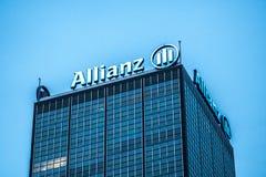Signage av den tyska finansiell och försäkringgruppen Allianz Royaltyfria Foton