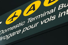 Signage d'aéroport Photographie stock libre de droits