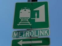 Signage pour le Metrolink dans le comté de Los Angeles images libres de droits