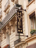Signage till hotellet, hotelsign Royaltyfri Foto