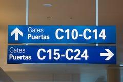 Signage van de luchthaven Stock Fotografie