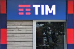 Signage W?oska firma telefoniczna ?Tim, Telecom Italia ?- zdjęcia royalty free