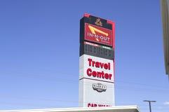 Signage w podróży centrum Zdjęcia Stock