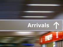 signageturist för ankomster info royaltyfri foto