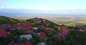 Signagi ou cidade de Sighnaghi Vista bonita pelo zangão aéreo Geórgia, Kakheti video estoque