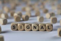 Signal - cube avec des lettres, signe avec les cubes en bois Photographie stock libre de droits