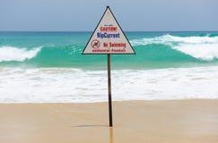 Signal d'avertissement de plage Photographie stock