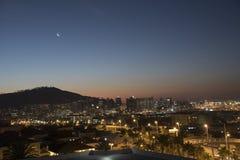 Signal-Hügel- und Cape Town-Stadtzentrum Südafrika lizenzfreie stockfotos