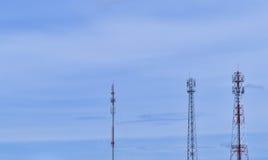 Signal-Turm mit blauem Himmel Lizenzfreie Stockbilder