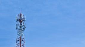 Signal-Turm mit blauem Himmel Lizenzfreie Stockfotos