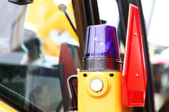 Signallampa för att varna blinkande ljus på medlet Fotografering för Bildbyråer