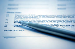 Signature du contrat Photographie stock libre de droits