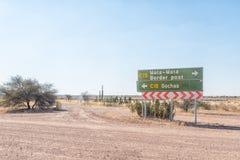 Signboard przy złączem między C15 i C17-roads w Namibia Obraz Royalty Free