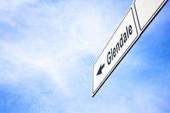 Signboard wskazuje w kierunku Glendale fotografia stock