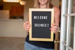 Signe à la maison bienvenu image libre de droits