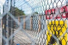 Signe électrique jaune de barrière Photo stock