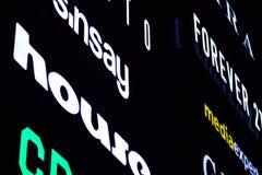 Signe électronique Enseignes au néon sur le mail de galaxie dans la nuit photos libres de droits