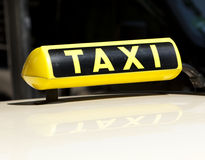 Signe allemand de taxi Photos stock