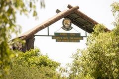 Signe au lac Manyara, Tanzanie Photographie stock libre de droits