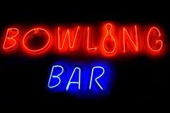 Signe au néon de BAR de BOWLING Image libre de droits