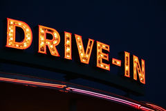 Signe au néon de drive-in Photos stock