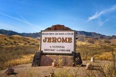 Signe bienvenu à la ville historique de montagne de Jerome, Arizona images stock