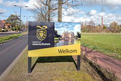 Signe bienvenu culturel de favoriser la culture dans Voorschoten, Pays-Bas photographie stock