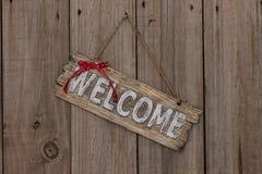 Signe bienvenu en bois avec le ruban Photos libres de droits