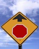 Signe blanc d'arrêt en avant Photo libre de droits