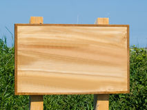 Signe blanc en bois de Brown Photo libre de droits