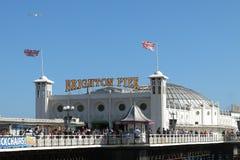 Signe Brighton England de Brighton Pier Palace Pier Images libres de droits