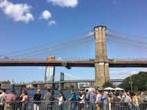 Signe, briques, près de la passerelle de Brooklyn images stock