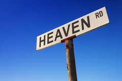 Signe contre le ciel bleu Images libres de droits