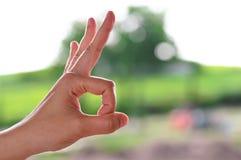 Signe correct avec la main Photo libre de droits