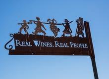 Signe décoratif à l'établissement vinicole photo stock