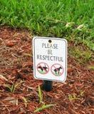 Signe d'élimination des déchets de chien Images libres de droits