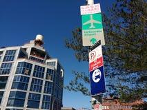 Signe d'aéroport de LaGuardia, LIC, Queens, NY, Etats-Unis Images libres de droits