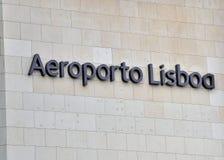 Signe d'aéroport de Lisbonne Photographie stock libre de droits