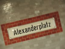 Signe d'Alexanderplatz Images stock