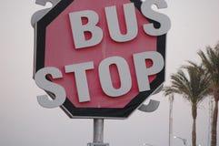 Signe d'arrêt d'autobus de l'Egypte images libres de droits