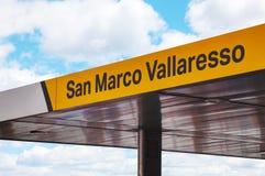 Signe d'arrêt d'autobus de l'eau de San Marco Photos libres de droits