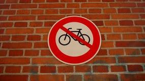 Signe d'arrêt de bicyclette image stock