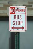 Signe d'arrêt de bus Photos stock