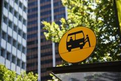 Signe d'arrêt de bus Photographie stock