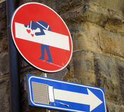Signe d'arrêt de l'Europe avec le graffiti Photos libres de droits