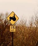 Signe d'avertissement de vitesse de tracteur Photographie stock libre de droits