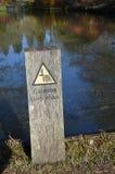 Signe d'eau profonde de précaution Photo libre de droits